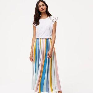 LOFT pleated maxi skirt 💙